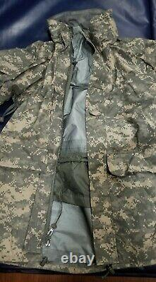 Goretex Cold Weather Parka Unisex Top & Bottom-Army issued Camouflage set