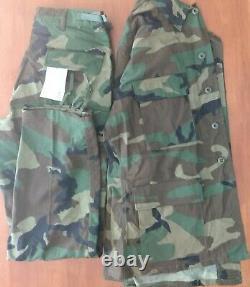 Ensemble De Camouflage Fatigues De L'armée De Terre Woodland Taille Moyenne Régulière
