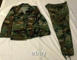 Set Camouflage Utilisé Armée Fatigues Taille Moyenne Régulier. Vendu Tel Quel. Pas De Remboursement