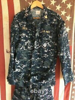 U. S. Navy Lieutenant Digital Pattern Camouflage Uniform Complete 2-pc Set! Petit